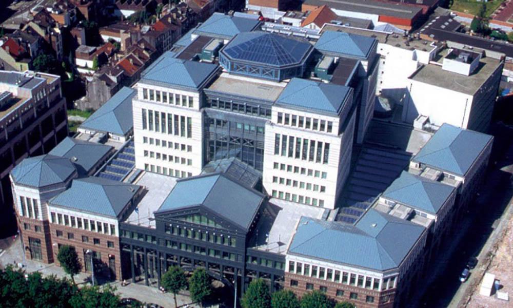 KBC Bank. Bélgica. Diseño de mobiliario. Proyectos ST-Systemtronic.
