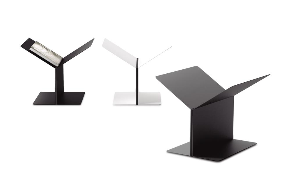 Mott. Magazine rack inspired by architectonic shapes