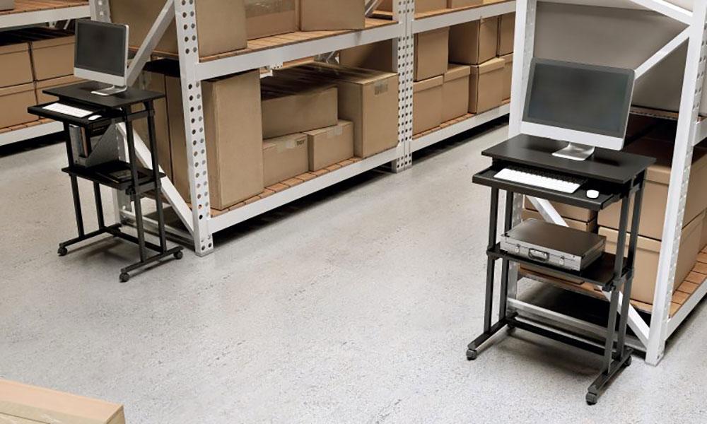 MP12. Mesa de trabajo diseñada para puesto informático completo