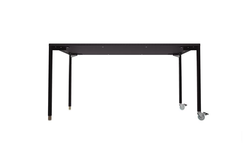 Foork. El diseño de estas mesas permite combinar colores.Foork. El diseño de estas mesas permite combinar colores.
