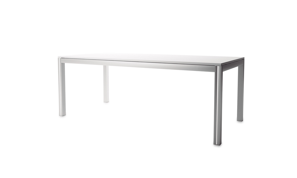 Naski.Very stable working tables with a lightweight aluminum structure