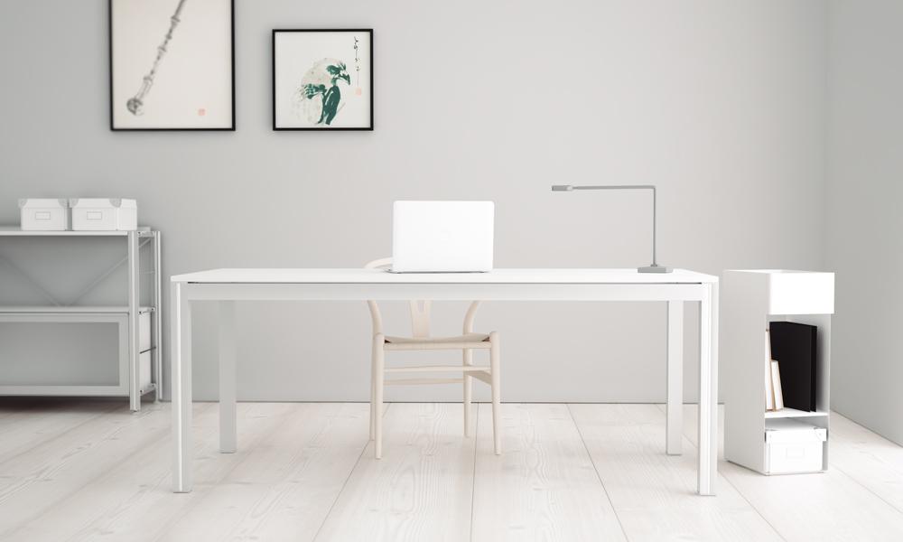 Naski. Mesas de trabajo muy estables y ligeras con estructura de aluminio.