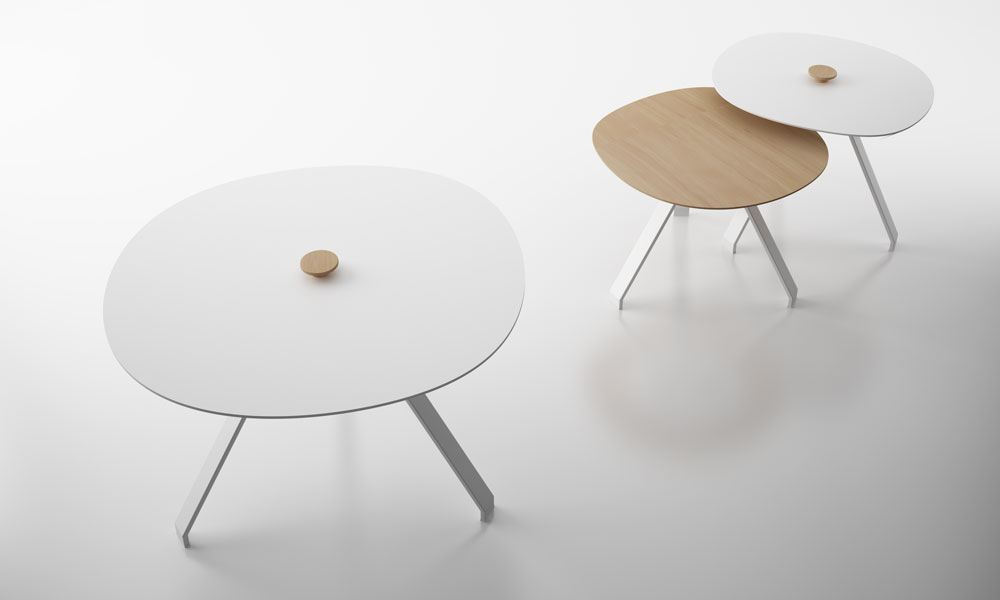 Celes. Conjunto de mesas a diferentes alturas y tamaños de tablero