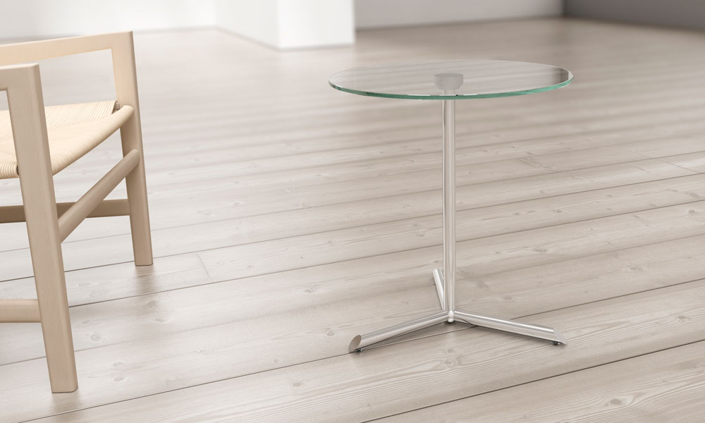 Mill. Colección de mesas están disponibles en MDF lacado o cristal